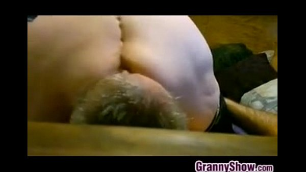 Thick Granny Face Sitting And Squirting