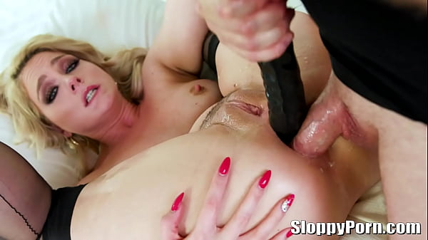Horny blonde Lisey Sweet double anal