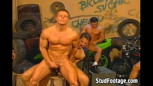 2018-12-25 10:46:49 - Amazing bikers gay orgy outdoors 5 min  http://www.neofic.com