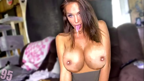 Twitch Streamer Flashing Her Boobs On Stream & Accidental Nip Slip/Boob Flash - Set 95