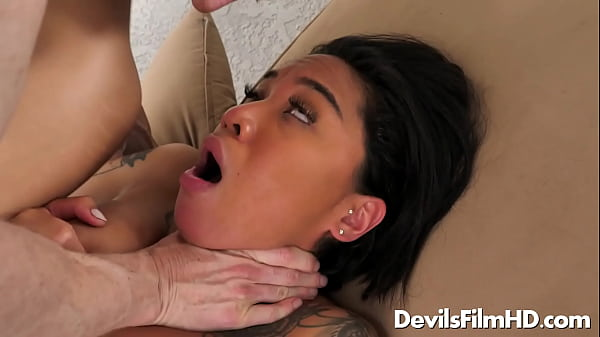 Rough sex with Jennifer Jacobs & Honey Gold Thumb
