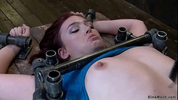 Slave pussy and clit tickled in device bondage