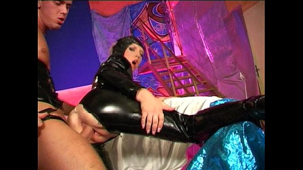 Dirty slut clad in leather fucked