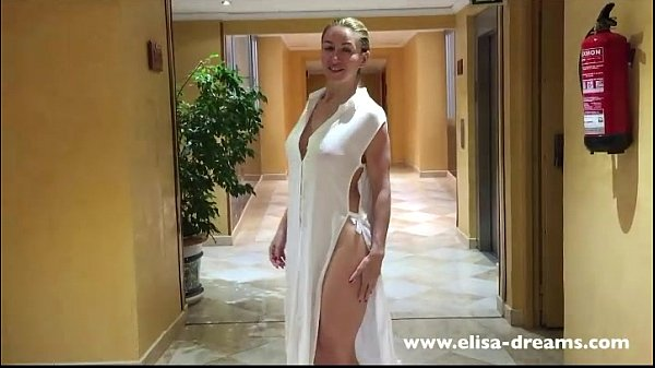 Flashing nude in the corridors of the hotel