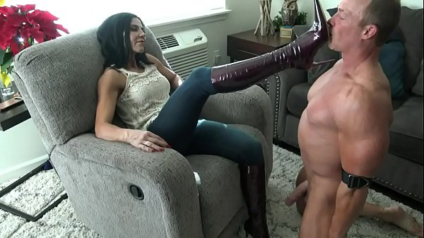 Mistress & Her Boots slut Thumb