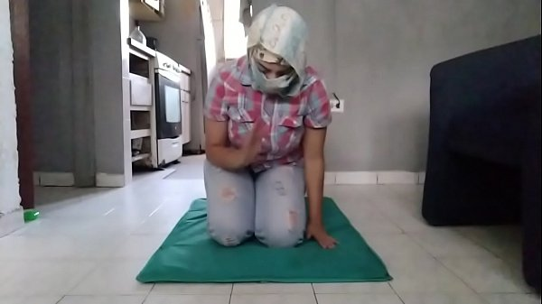 Real Mom In Hijab And Jeans Praying And Then Ma...