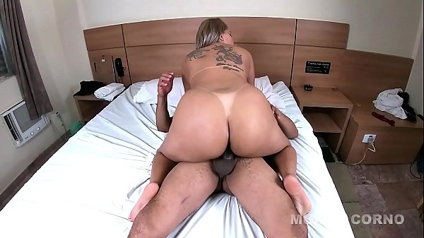 Yara Rocha betraying her boyfriend with Mr. Rola (Anal)