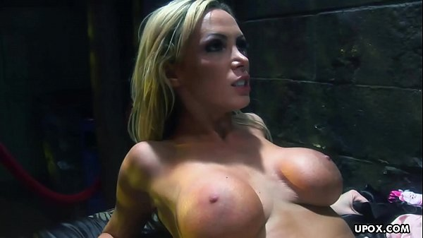 Gina Lynn and Penny Flame can't stop fucking each other
