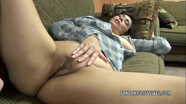 Curvy housewife Alesia Pleasure plays with her ...