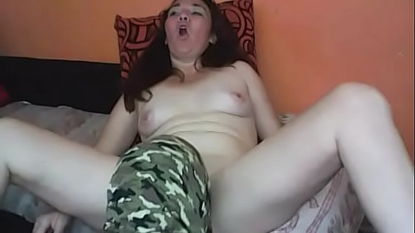 Military sucking mature woman's pussy, orgasm
