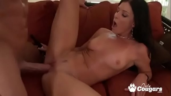India Summer Jams A Long Skinny Cock In Her MILFY Pussy Thumb