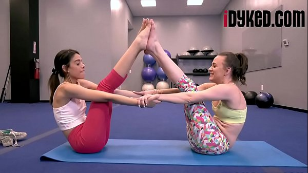 Harmony Wonder , Alex More In Gym Class Snatch Sheroes Thumb