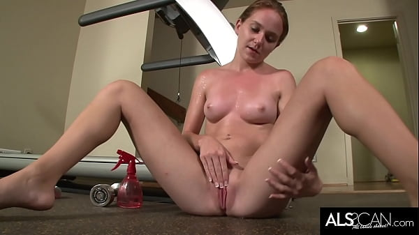 Sadie Grey Works Her Bare Pussy to Climax by Hand