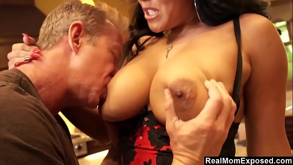 Thick horny wife Kiara Mia only wants cock