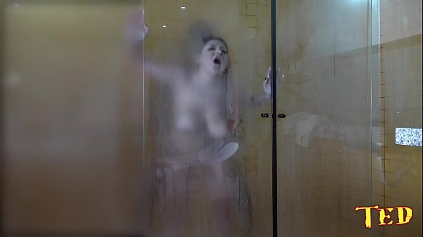 The gifted took the blonde in the shower after the scene - Rafaella Denardin - Ed j.