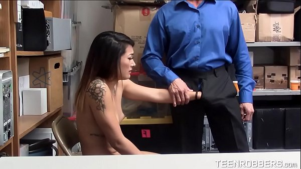 Submissive Teen Fucked by Pervert Guard - Teenrobbers.com Thumb