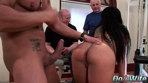 Sexy brunette wife loves anal Thumb