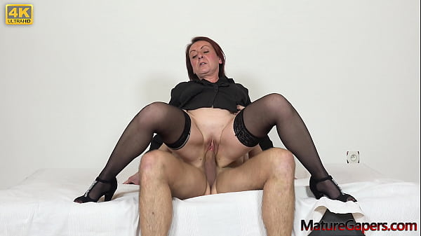 Sexy mature lady gaped and fucked hard