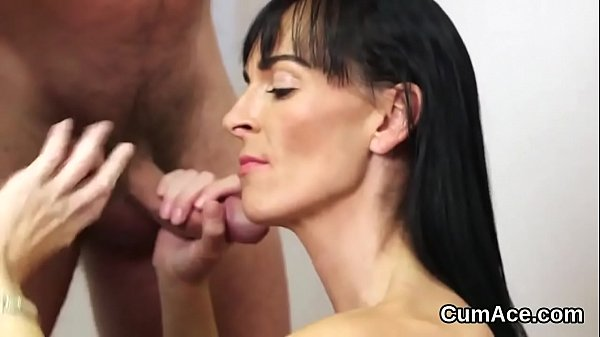 Spicy beauty gets jizz shot on her face sucking all the juice
