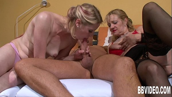 Horny couple fucking for a german milf
