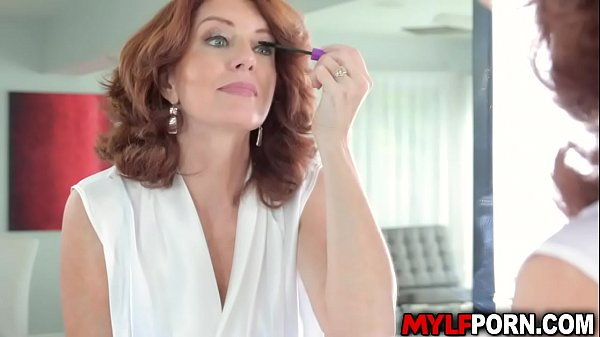Bustylicious MILF Andi James seduces her stepso...