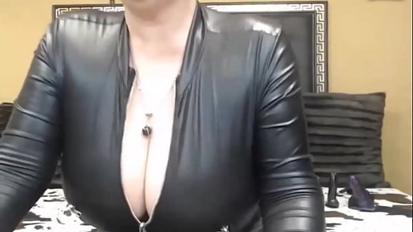 ROMANIAN HOT BIG BOOBS MATURE CAM SHOW