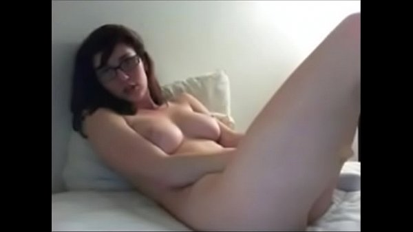 big and natural tits girl playing with huge dildo www.75cams.com