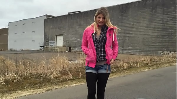 Outdoor Blowjob with Parkplatzluder19 - 100%real Thumb