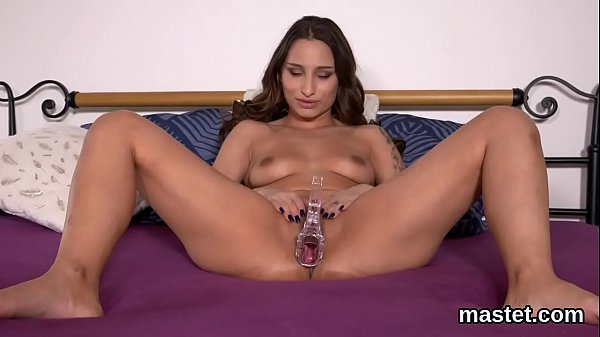 Sexy czech kitten gapes her soft snatch to the extreme Thumb