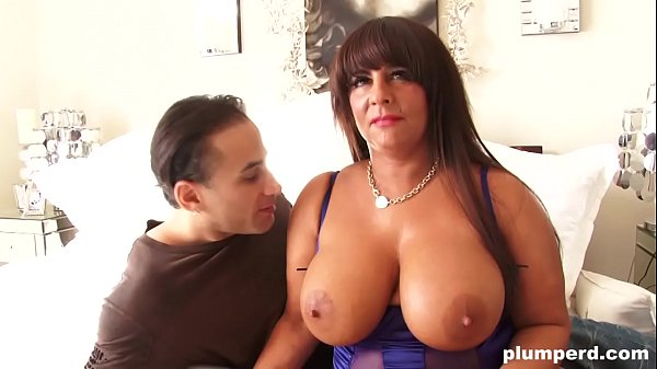 Perfect double G tits! BBW milf at its finest