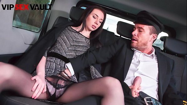 VIP SEX VAULT - That Brunette Just Start To Blo...