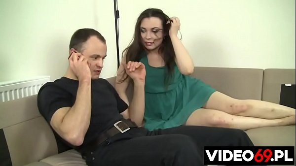 Polish porn - Cheating wife fucks with muscle physiotherapist when her husband is in the kitchen