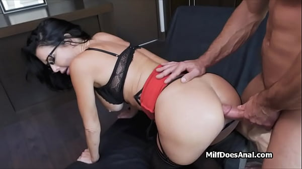 Deep anal with slutty Veronica Avluv in stockings Thumb