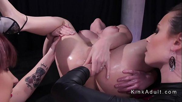Monster strap on in blondes ass