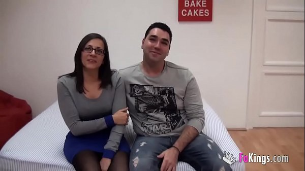 Young Spains couple sells their intimacy up and fucks for the cameras for the first time Thumb