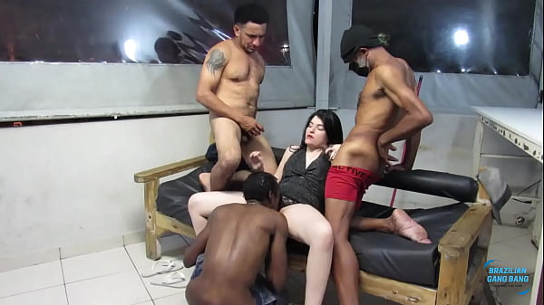 Father, son and nephew go to the whoreiro does orgy with the new bitch. (((Complete on Xvideos Red)))