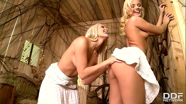 Horny blonde babes Blanche Bradburry and Vanda ...