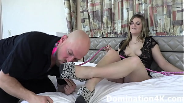 Jerk your hard cock for Mistress Sarah Jessie