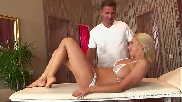 Mandy Dee Massage