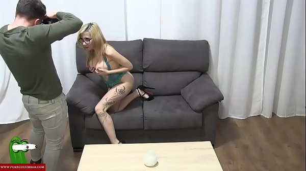 The blonde slut eats cocks in exchange for a photo shoot CRI108 Thumb