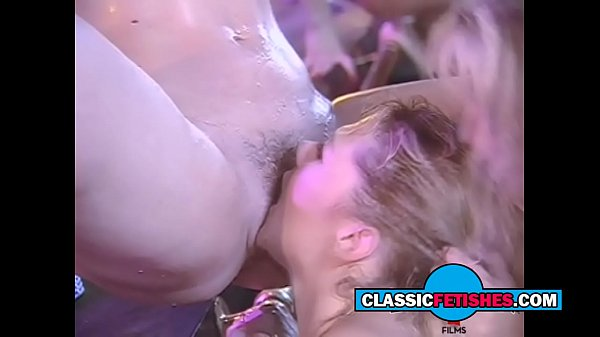 the wet threesome lesbian classic porn
