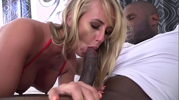 Blonde amateur, is dilated the holes with a big...