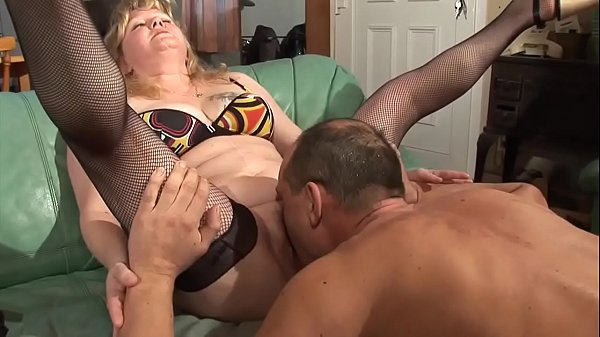 My m. has a pussy piercing that has horny me