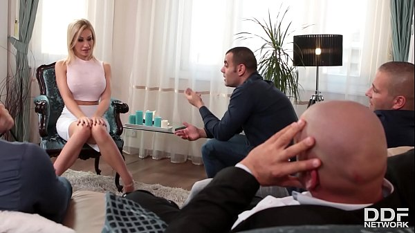 Kinky Chessie Kay blows four huge dicks and get...
