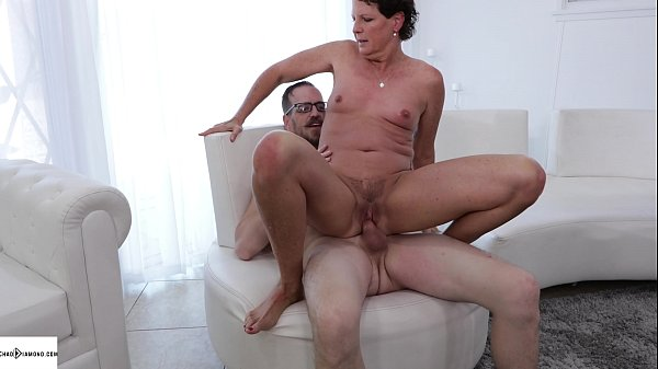 Mature Cougar Beth Mckenna Afternoon Creampie