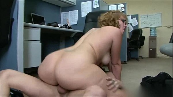 BIG BOOTY OFFICE GIRL