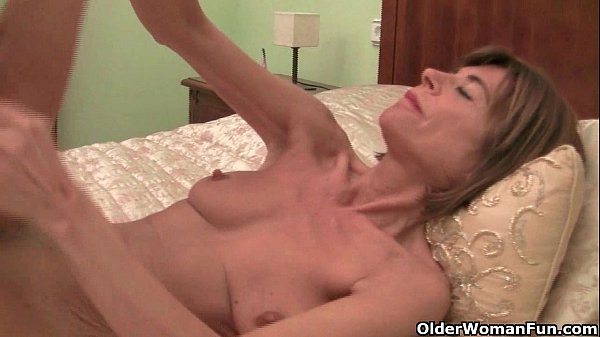 Skinny grannies Bossy Rider and Maria stripping off Thumb