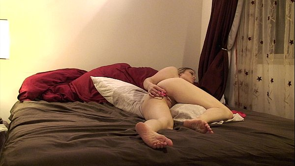 Preparing for an anal threesome, waiting on the crew