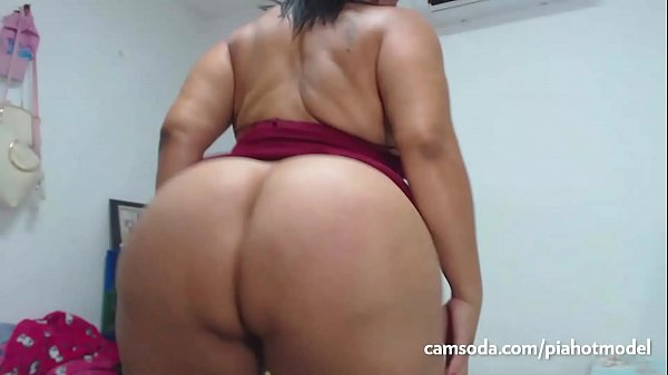 SacredBooty BBW PiaLaDelicia - Piahotmodel Big Ass Latina Shakes her Big Ass and then Fucks her Big Dildo part 2