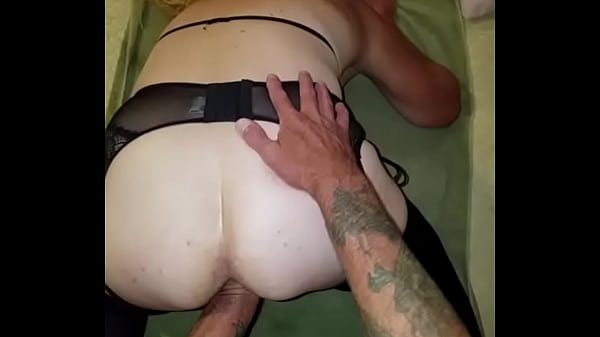 Fist fucking the wife